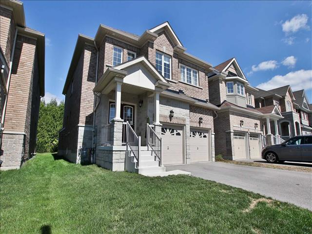 64 Promenade Dr Whitby